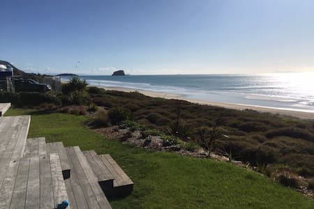 Beachfront Bach Paradise