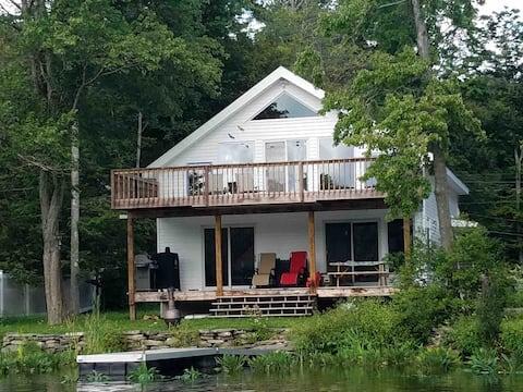 Lakefront Cottage - Fall Colors, Ski Season!