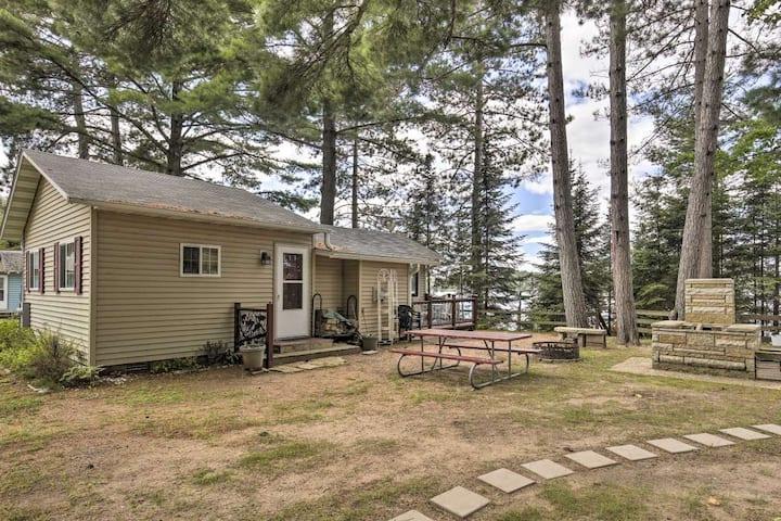 Lakefront Woodruff Cabin