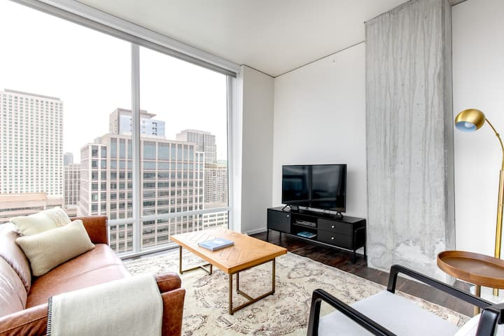 Lux South Lake Union 2BR w/ Indoor Pool, Gym, nr. Amazon, by Blueground