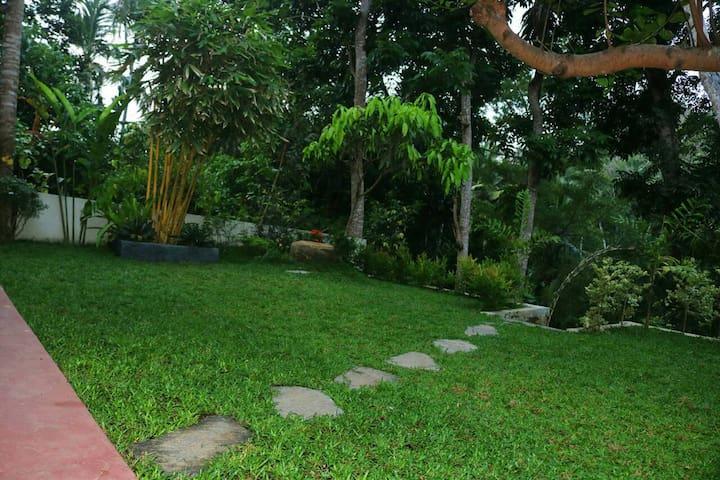 Cozy Villa Mirissa