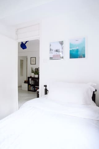 Cozy room on Hollywood Road