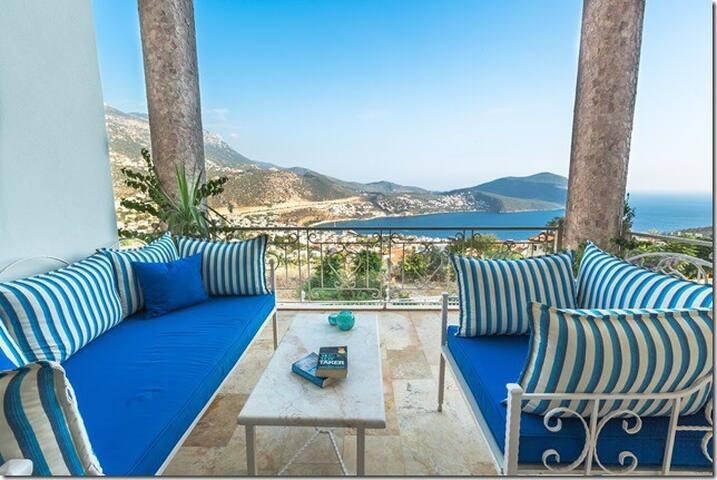 Stunning views . Beautiful Villa . - Kalkan  - House