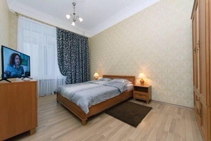 2-комнатная, Площадь Льва Толстого
