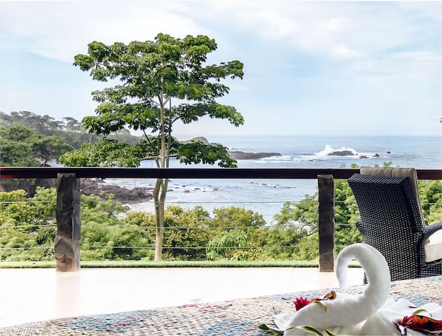 Exclusive ocean view steps from beach - New Resort