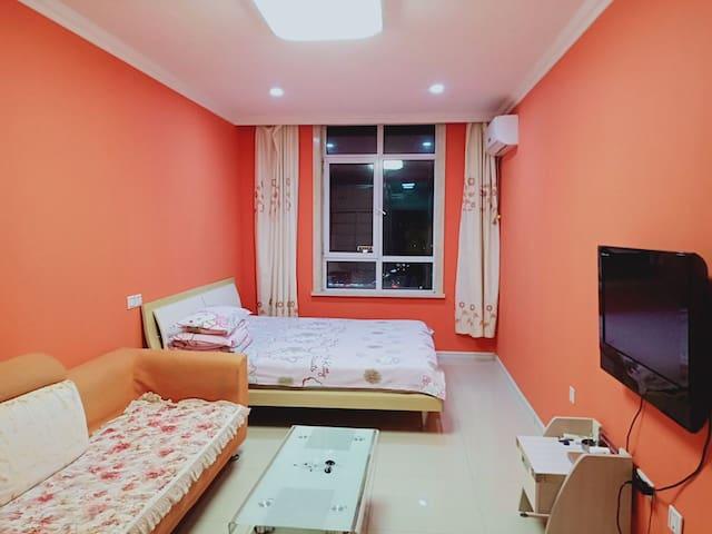 吉林财富商圈精装主题日租公寓大床房
