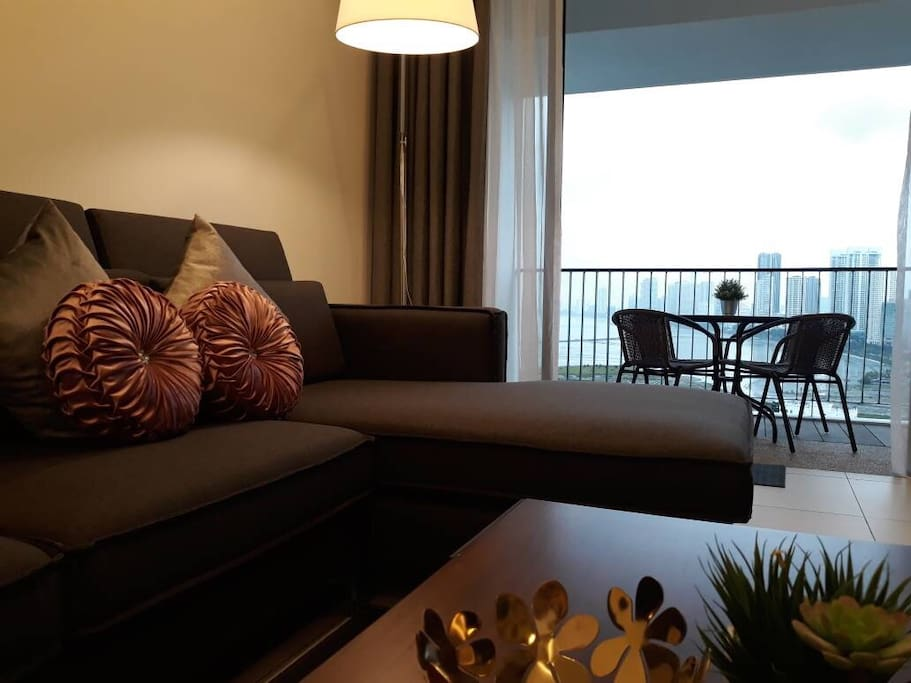 Enjoy Gurney seaview while relaxing on the sofa