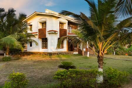 The Sea villa with pool. - Kashid - Villa