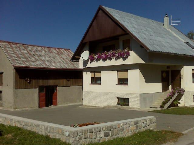 Agroturizam Bitoraj - Mrkopalj - Huis