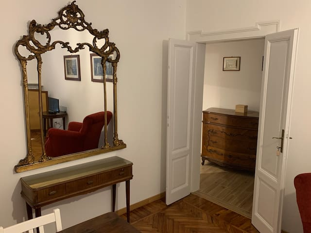 Appartamento signorile vicino Villa Beretta.