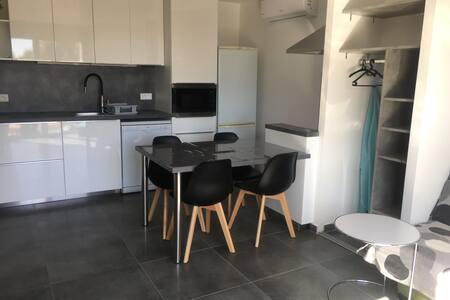 AppartementClimatisé,Neuf, terrasse,LieuCalme