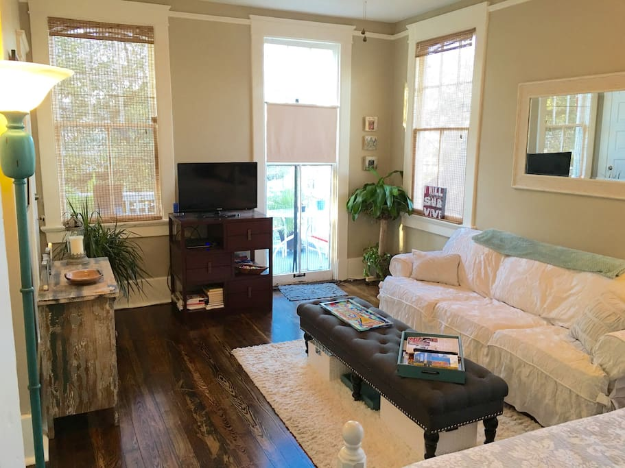 Delightful 2bd Garden District Apt Great Balcony Houses For Rent In New Orleans Louisiana