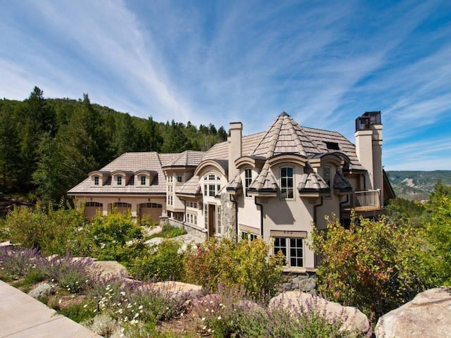 Luxury Cordillera Mountain Mediterranean Estate