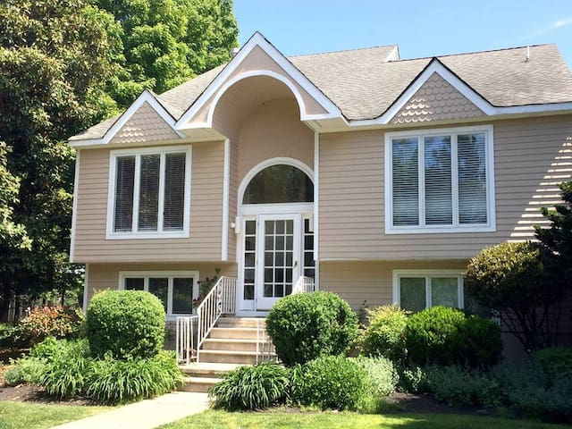 Waterfront on Cape May's Canal -Large Rooms w/View