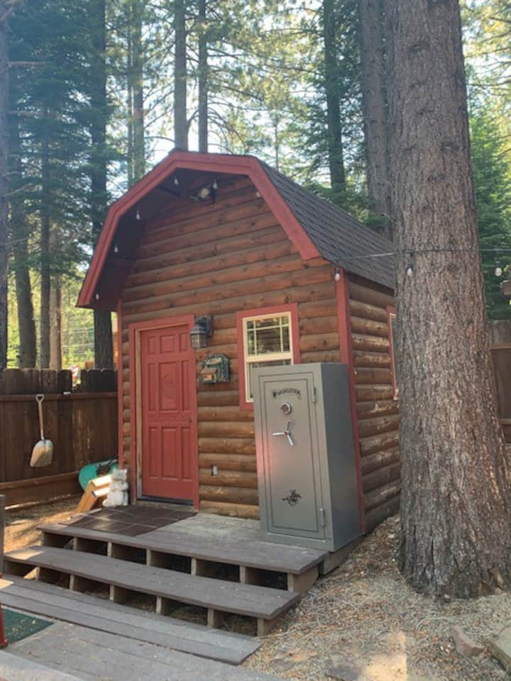 "Tahoe ""Glamping"" at its best in Tahoe Paradise!"