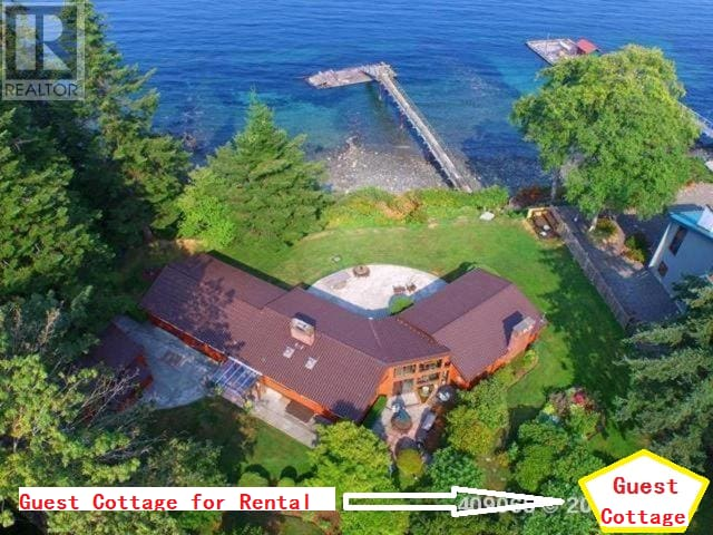 An oceanfront guest cottage with private dock. - Campbell River - Bungalov