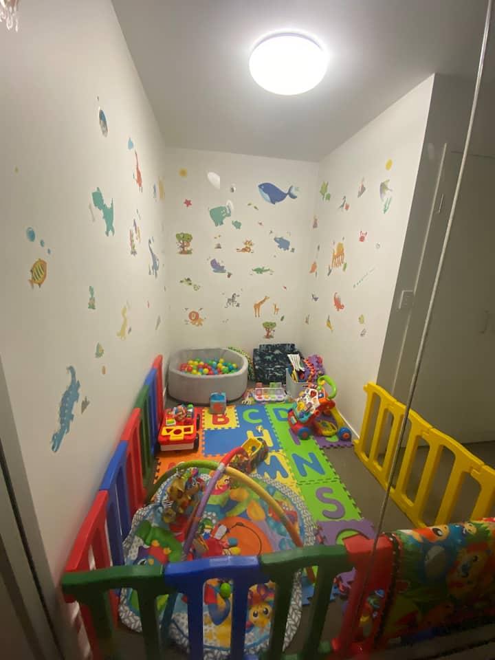 Modern apartment,kids playroom perfect 4 families