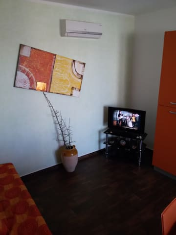 Lovely flat with parking place - Casamassella - House