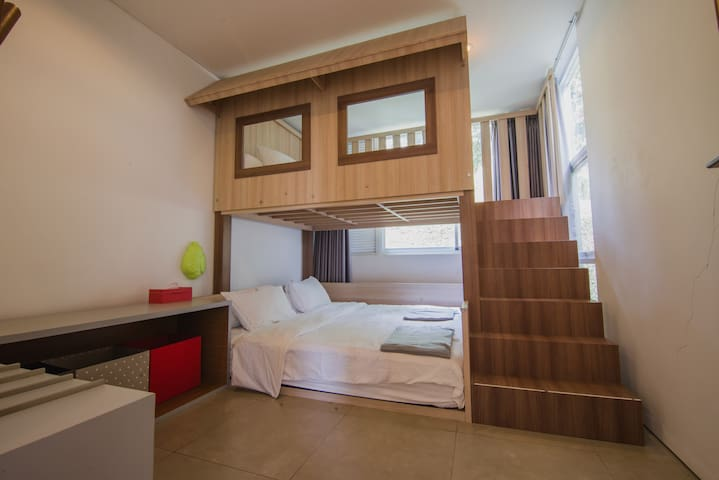 Guest Room (Kids) - Equipped with tree house themed bunk bed that the children (and adults!) will love. Sizes of mattress  are 200x200 cm (lower bed) and 160x200 cm (upper bed).