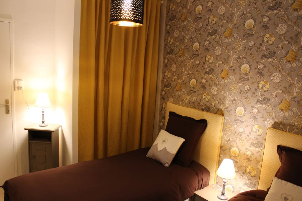 Chambre 2 avec 2 lits de 90x190