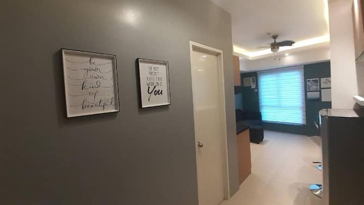 42sqm 1 bedroom 2 T/B Condo unit near Malls in QC