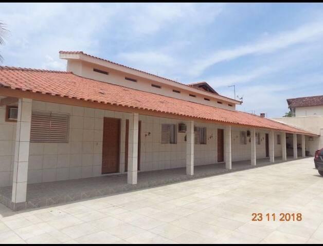 Peruibe, 100m da praia, com Wi-fi, garagem fechada
