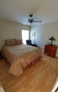 Quiet Country Living in a Golf Course Community R2 - Hernando