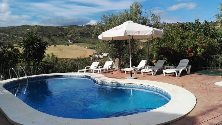 Wonderful Rural House at Torcal of Antequera