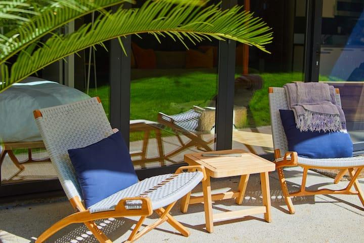 Beachside Zen Den