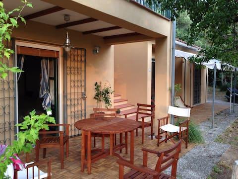 Suite con patio e vista sul mare d'aMARE 2