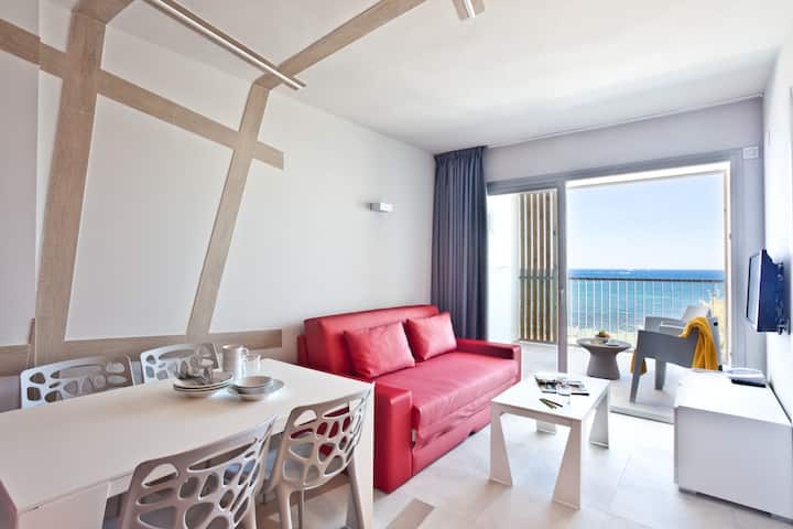 Sea View Apartment for 6 guests, 2 separate bedrooms, kitchen and sofabed, free Wifi, in Playa den Bossa - Ryans Ibiza Apartments - Adults Only