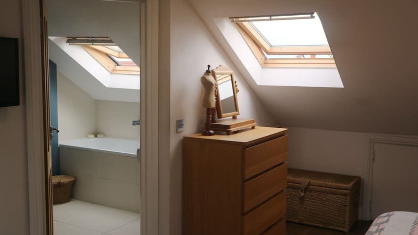 Private luxury ensuite bath and shower room