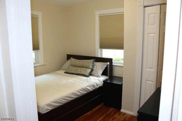 second bedroom in lakeside home
