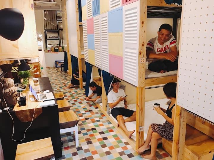 JoJo Dorm - Double bunk bed 07 - Ben Thanh Market