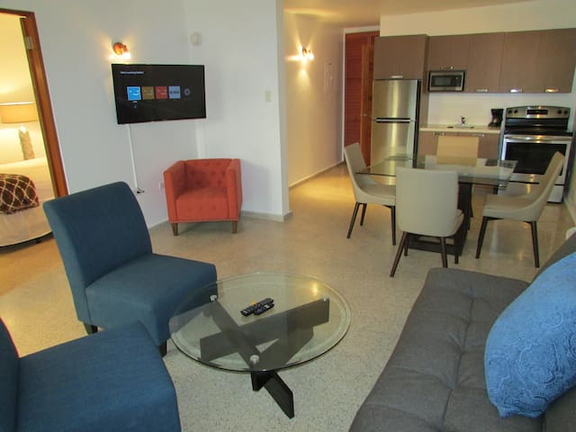 One Bed Apartment Full kitchen & living Room #11