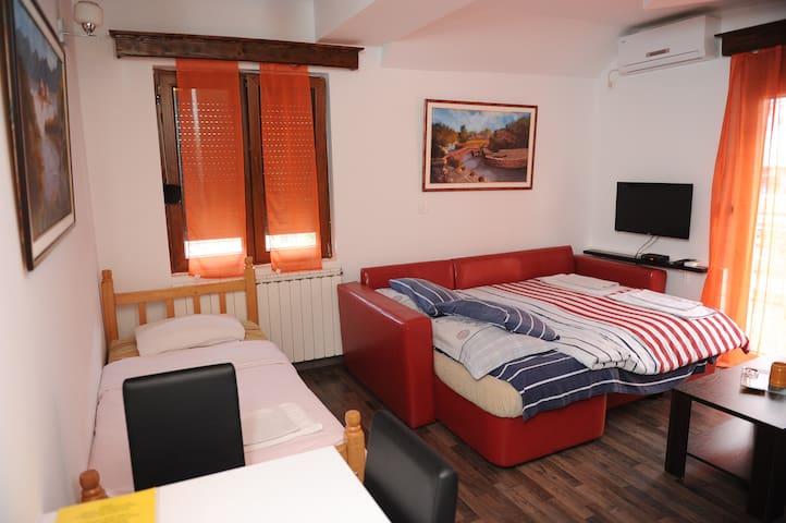 Apartments Erakovic 4