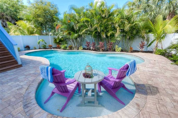 Perfect island home for your vacay! 3 bedrooms, private pool, close to the beach!