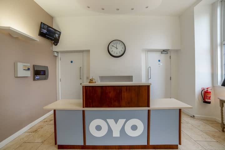 Standard Single Room in OYO Flagship Winford Manor
