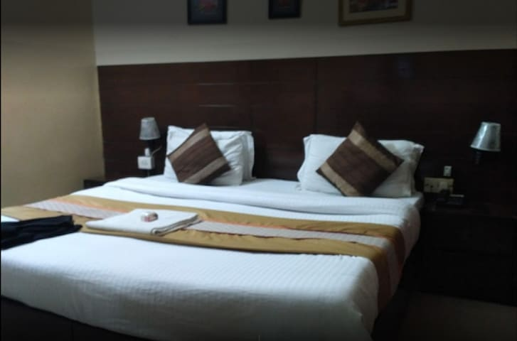 Deluxe Room(City stay Hotel)