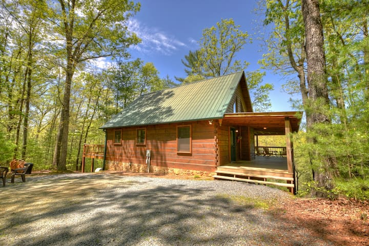 Blue Ridge Cabin Rental - Seclusion at Hideaway Mountain