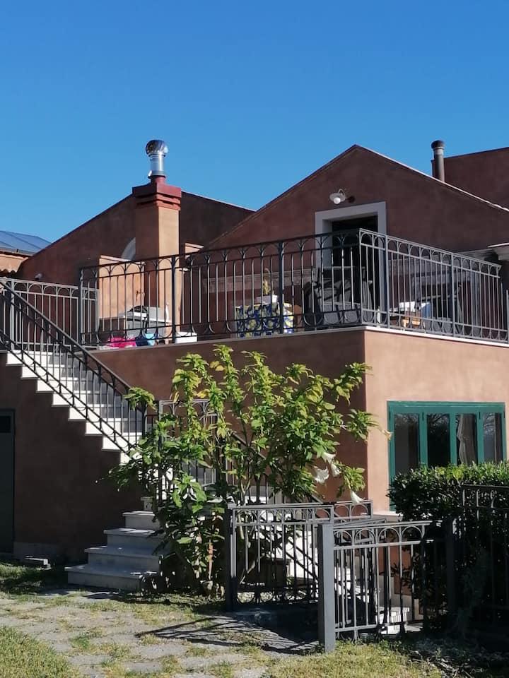 Dependance in Villa ottocentesca con piscina