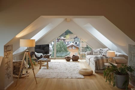 Modern alpine chic duplex penthouse for 11 guests! - Klosters-Serneus