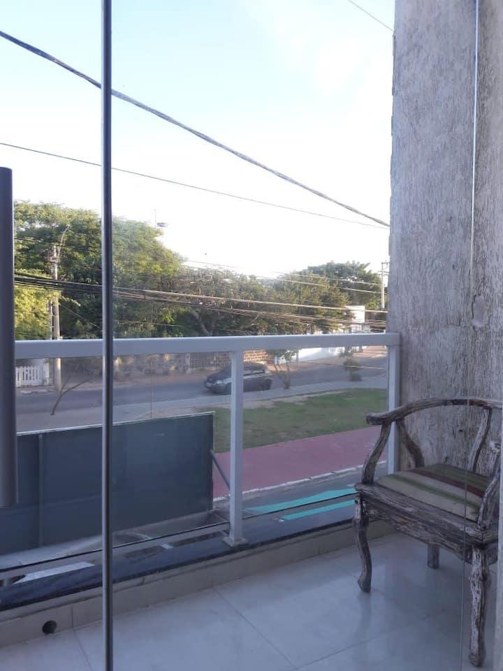 Apartamento com varanda no centro de arraial