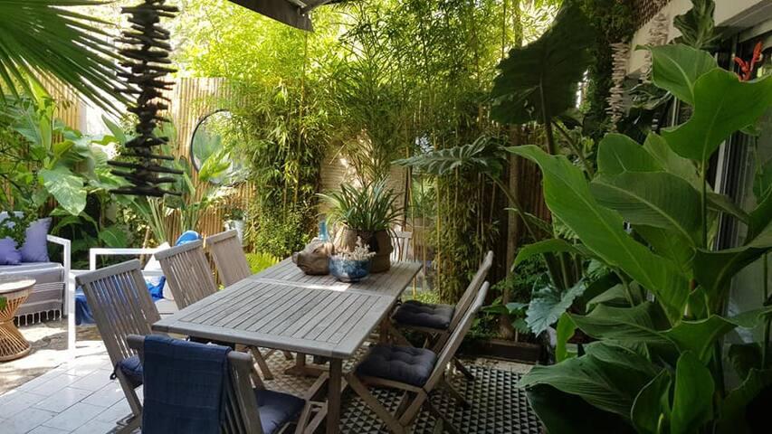 """Villa """"suite parentale"""" haut de gamme avec Jardin"""