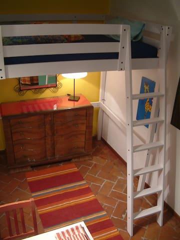 Nice bedroom with balcony S.Croce