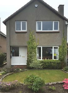 Private family semi-detached house