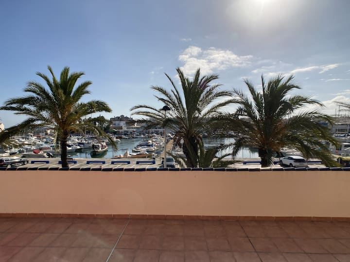 Beautiful apartment overlooking the Cabo de Palos Marina
