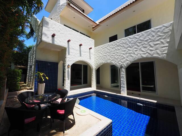 Maia villa...  Unique 3 bed pool in Nai Harn
