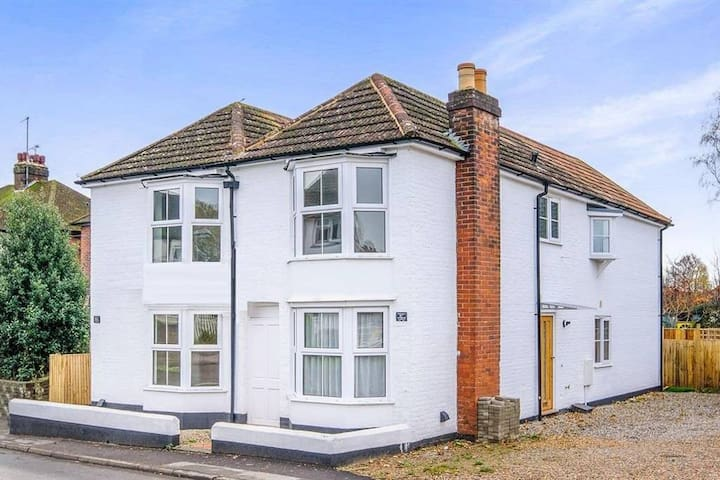 Beautiful New House close to Canterbury Centre