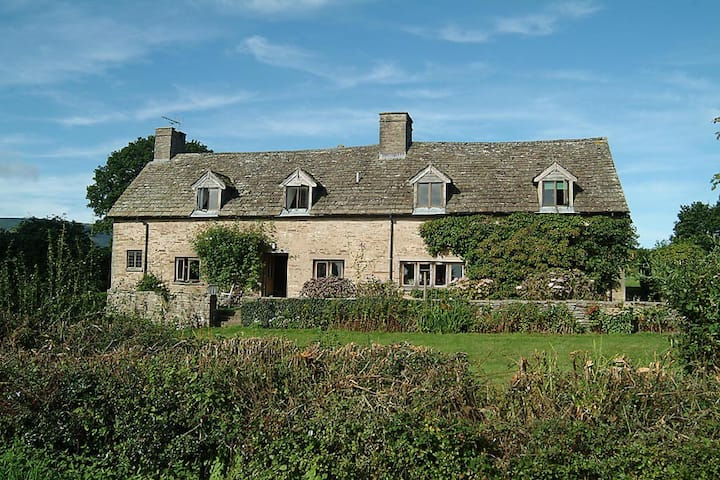 Middle Trewern Farmhouse, Longtown, Hereford